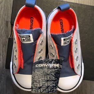 *NWT!!!* Velcro Converse
